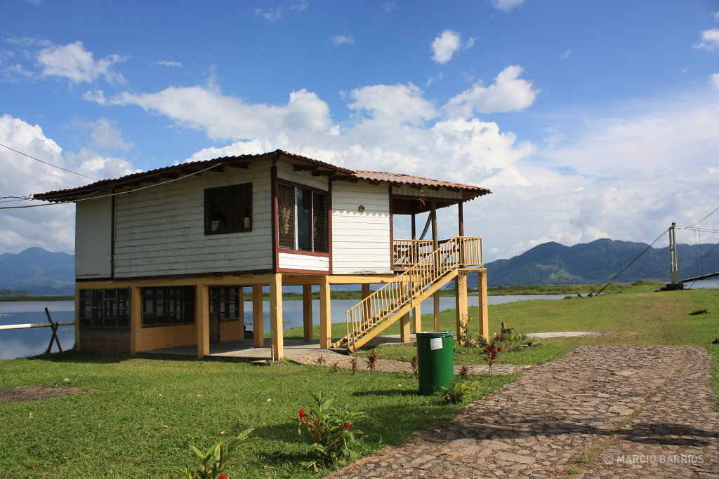 Cottage in front of the lake, Finca Las Glorias