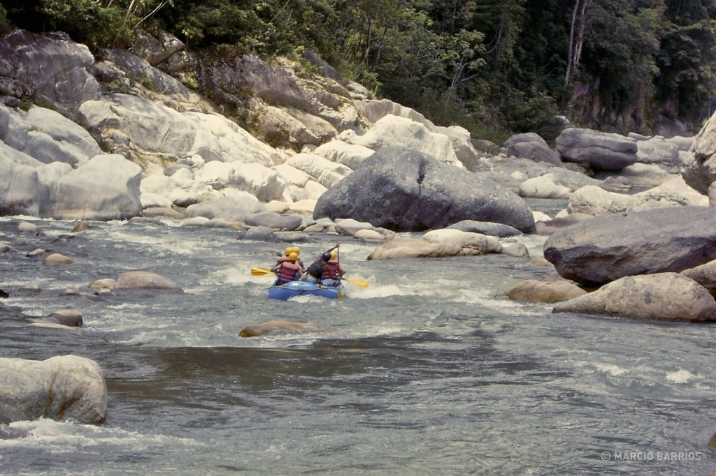 Rafting in Cangrejal river